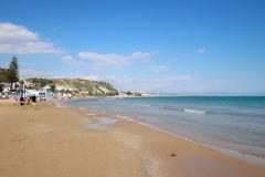 Am Strand in Punta Grande, Sizilien