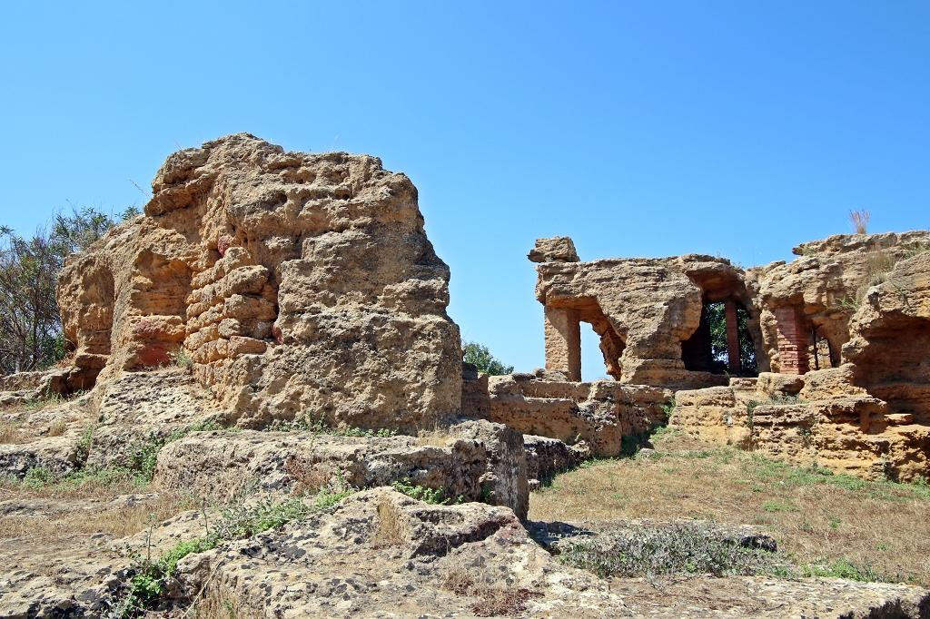 Überreste im Valle dei Templi