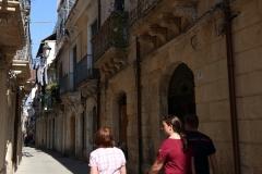 Durch die Gassen der Altstadt in Syrakus