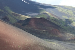 alter Krater am Hang des Ätna