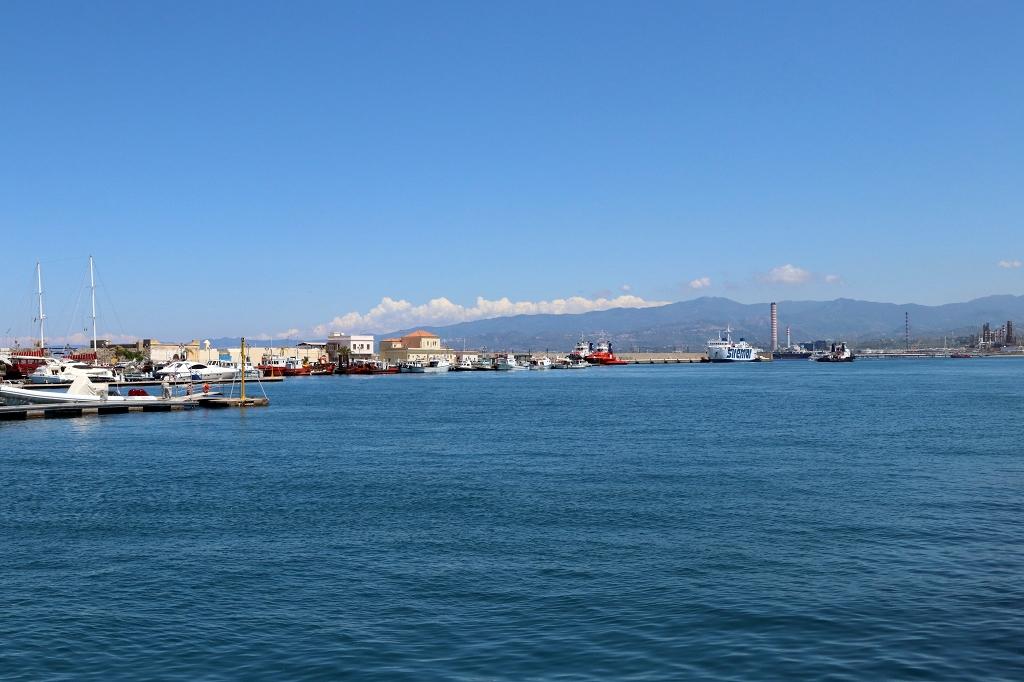 Am Hafen von Milazzo
